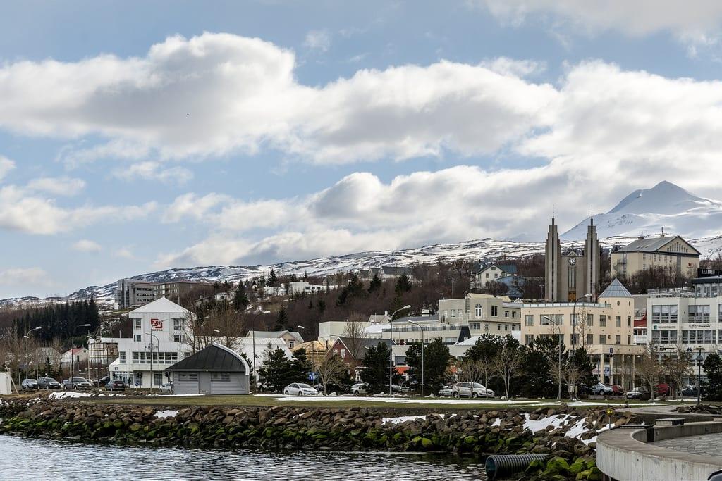 """Tíu ástæður þess að Akureyringar eru leiðinlegir: """"Þetta lið þarna fyrir sunnan kann ekki að keyra i hálku"""""""