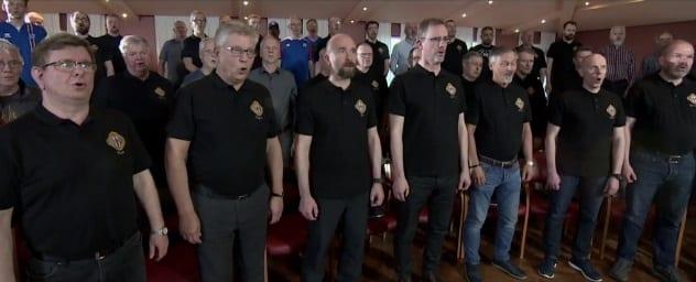Karlakór Reykjavíkur tók stórskemmtilega útgáfu af HÚH-inu