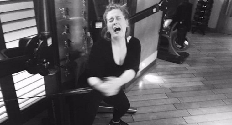 Adele deilir ræktarmynd af sér sem sýnir fullkomlega hvernig okkur líður í janúar