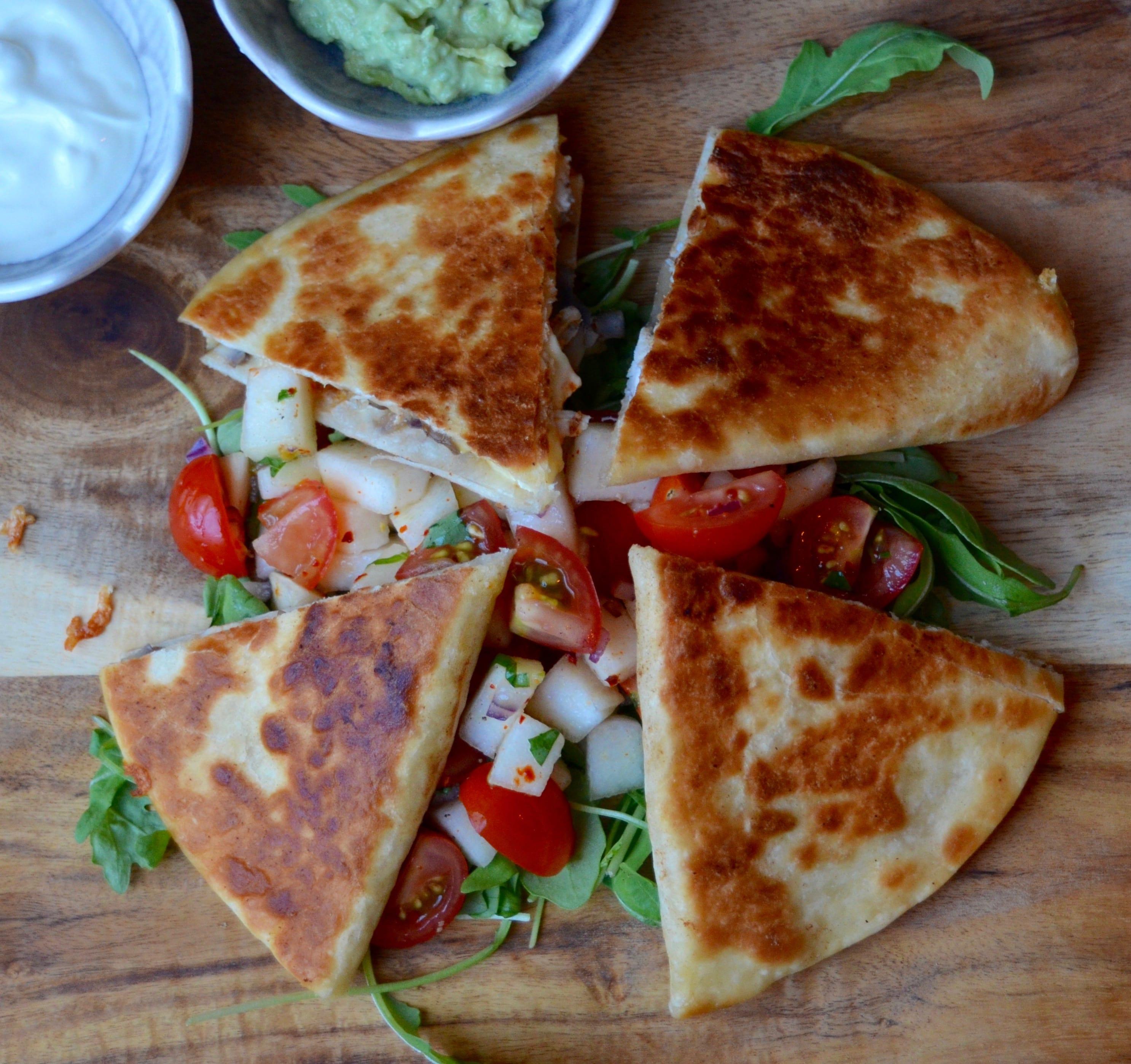Stökkar Quesadillas með kjúklingi og camembert osti