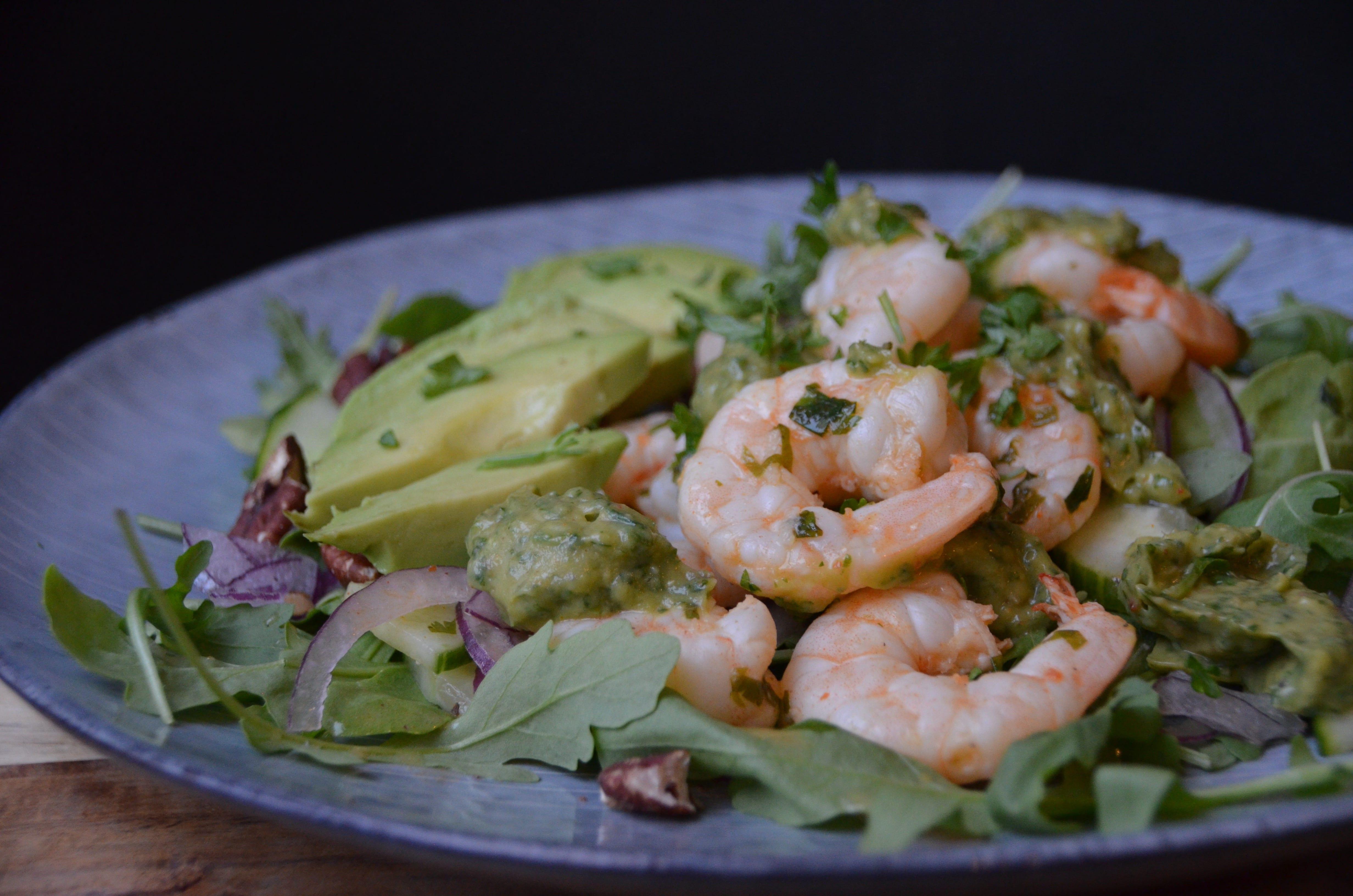 Salat með risarækjum og chilli/lime dressingu