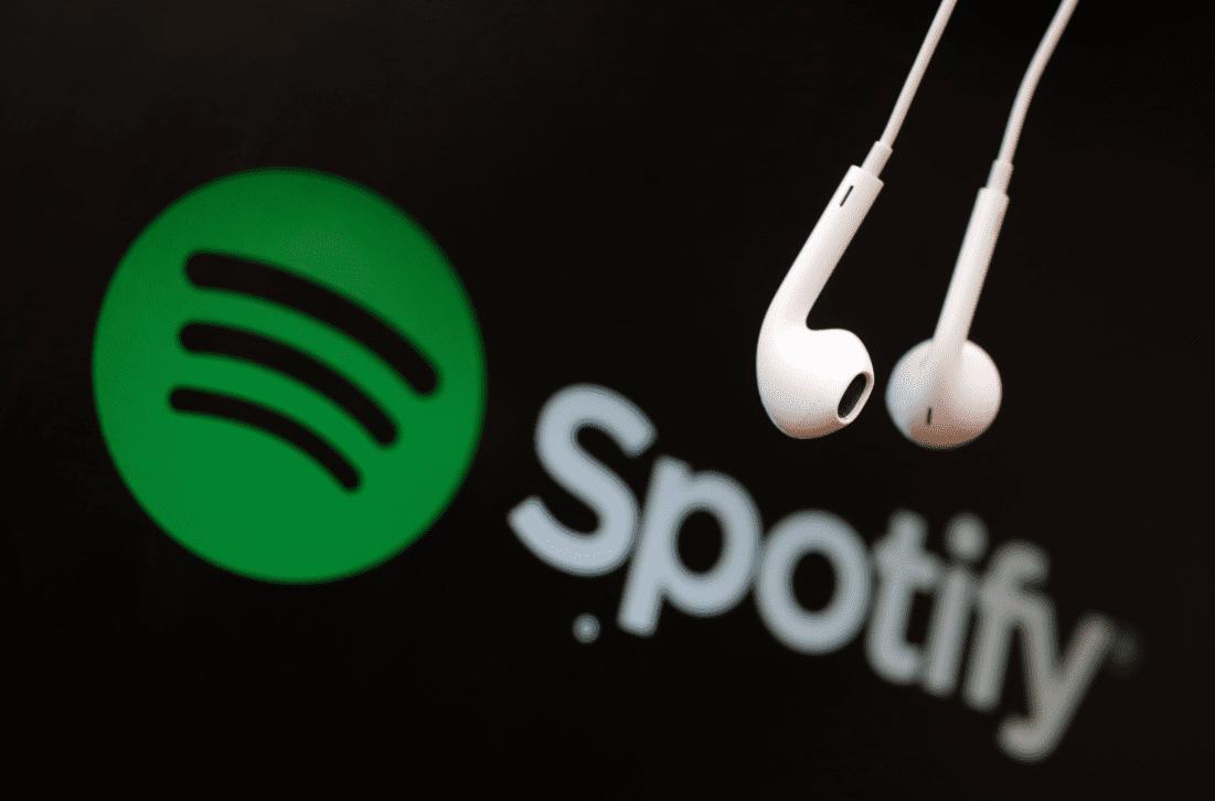 """Spotify dregur til baka stefnu um """"hatursefni og hatursfulla hegðun"""""""