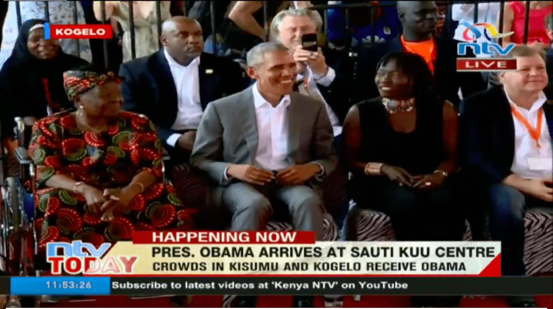 Obama dansandi glaður í Keníu