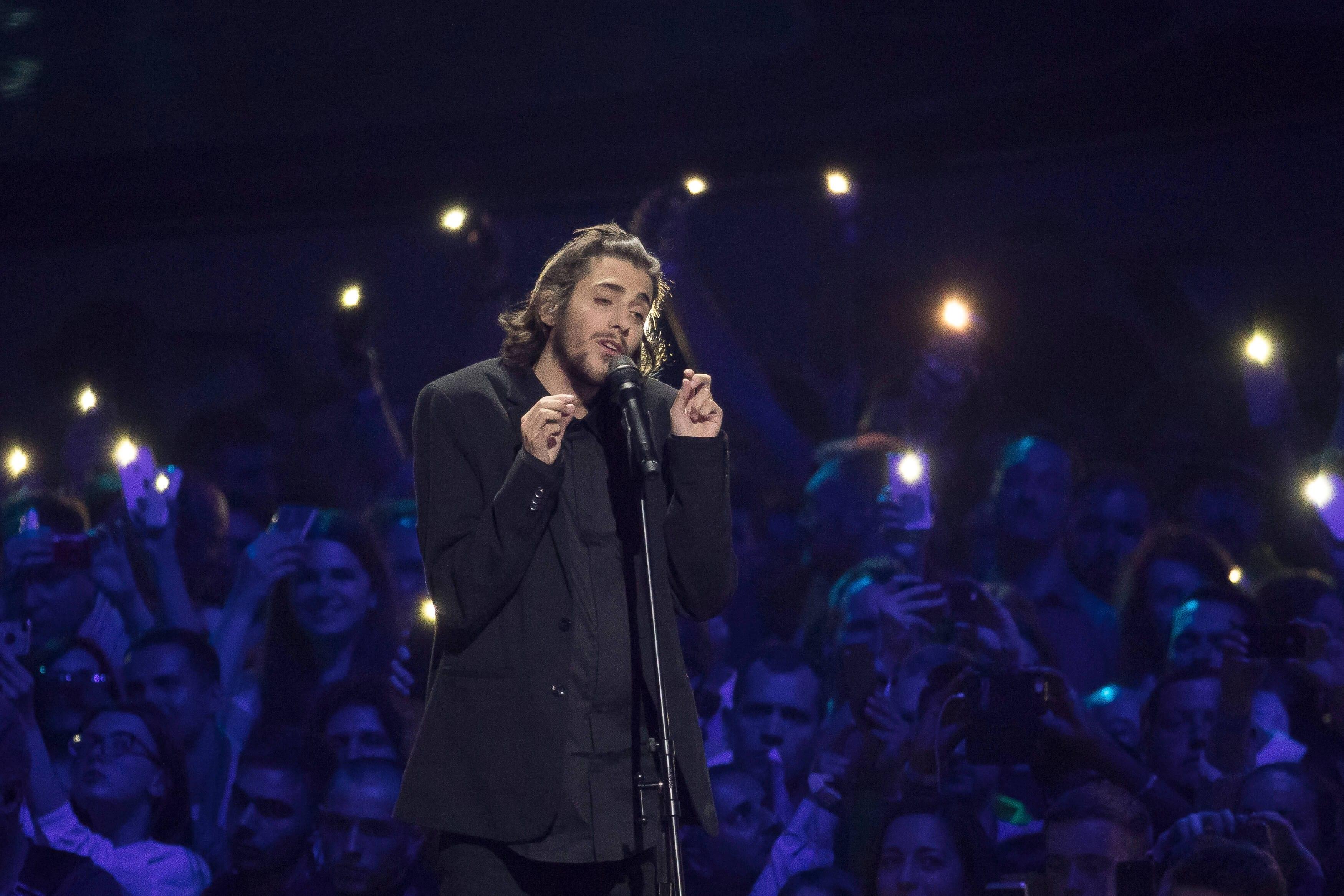 """Þjóðin grét og hló á Twitter yfir Eurovision: """"Hef sjaldan upplifað slíka gæsahúð eða grátið jafn mikið"""""""
