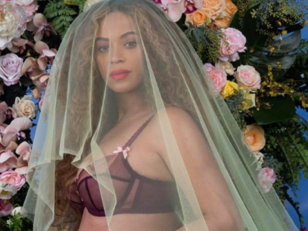 Talið að tvíburar Beyoncé og Jay Z heiti Rumi og Sir