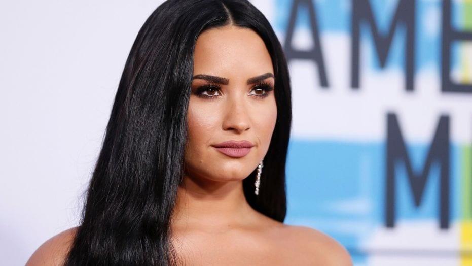 Demi Lovato leikur íslenska söngkonu í Eurovision myndinni