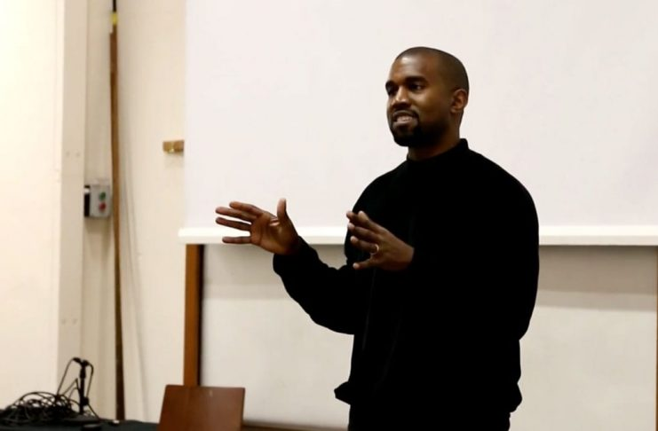 Kanye West segist vera kennari í listaháskólanum í Chicago