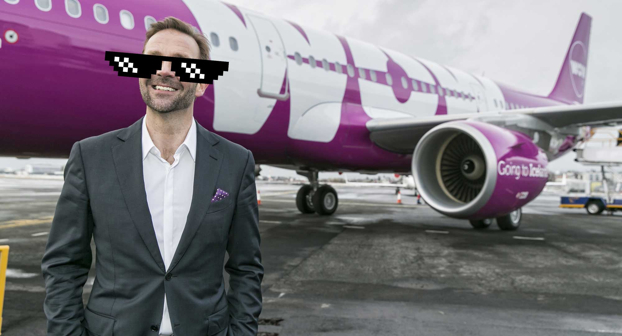 Ískaldur Skúli Mogensen skýtur föstum skotum á Icelandair aftur og aftur og aftur