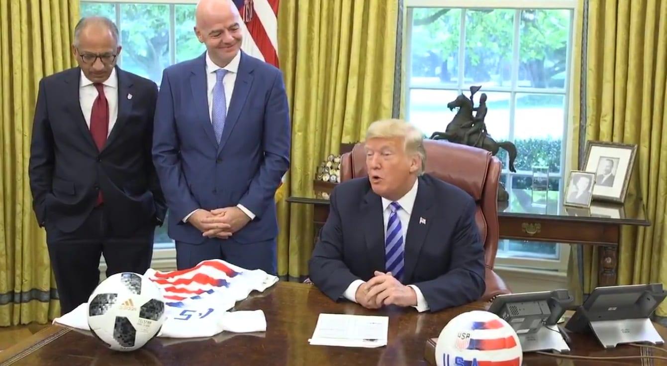 Trump gaf fjölmiðlum rautt spjald þegar hann fundaði með Infantino