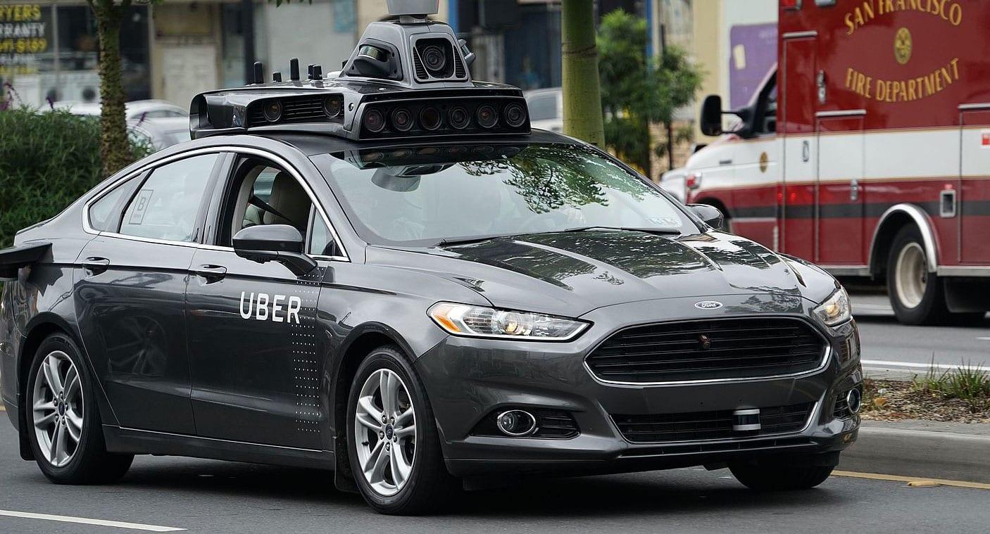 Kona varð fyrir sjálfkeyrandi bíl frá Uber og lést
