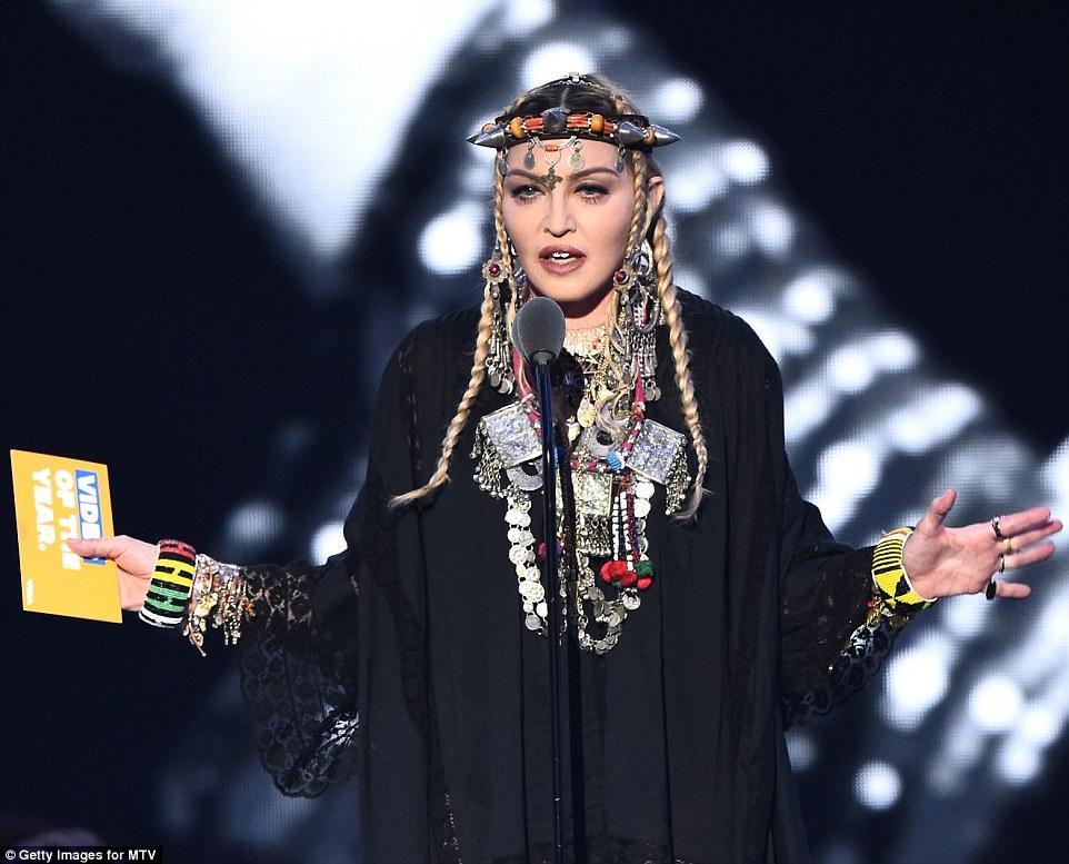 Madonna SÖKUÐ um að láta minningarræðu Aretha Franklin snúast um sig! - MYNDBAND