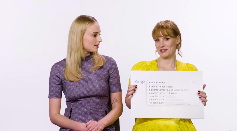 Sophie Turner og Jessica Chastain svara spurningum netverja í skemmtilegu myndbandi