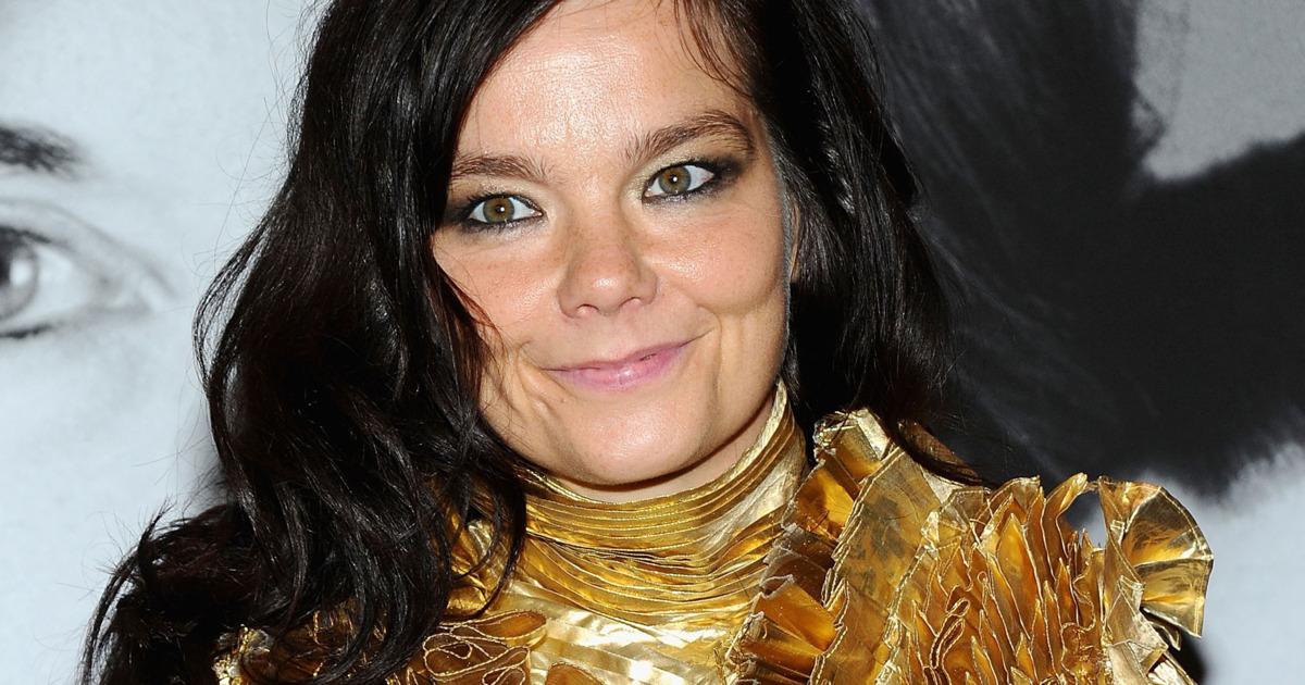 Björk SJOKKERAR alla með píkum og gervilimum! - Sjáðu myndirnar!