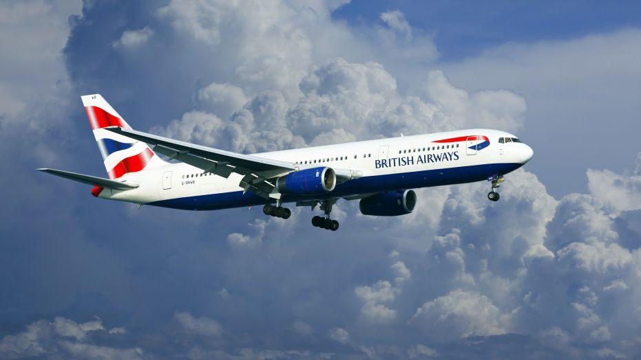Um tvö hundruð þúsund manns hafa þurft að breyta ferðaáætlun vegna vinnustöðvunar hjá British Airways