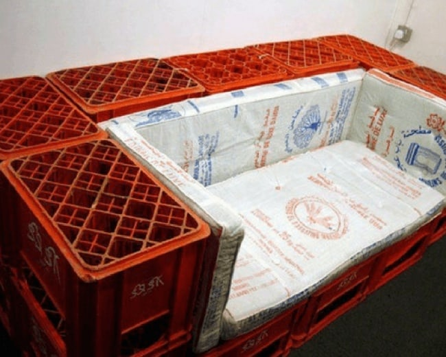 Really Stupid Or Pure Genius Ideas crate bed frame