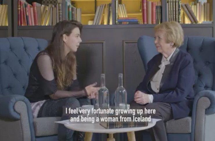 Vigdís Finnbogadóttir og Nanna OMAM ræða kvenréttindi