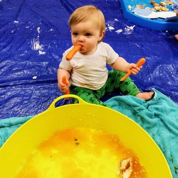 Hilarious Photos Of Babies Eating (30 pics)