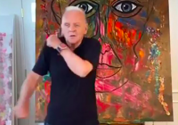 Anthony Hopkins 82 ára tekur 'Tootsie Slide' TikTok dansinn