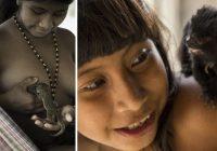 Awa frumbyggjarnir í Amazon gefa íkornum brjóst – MJÖG tengdir náttúrunni! – Myndir